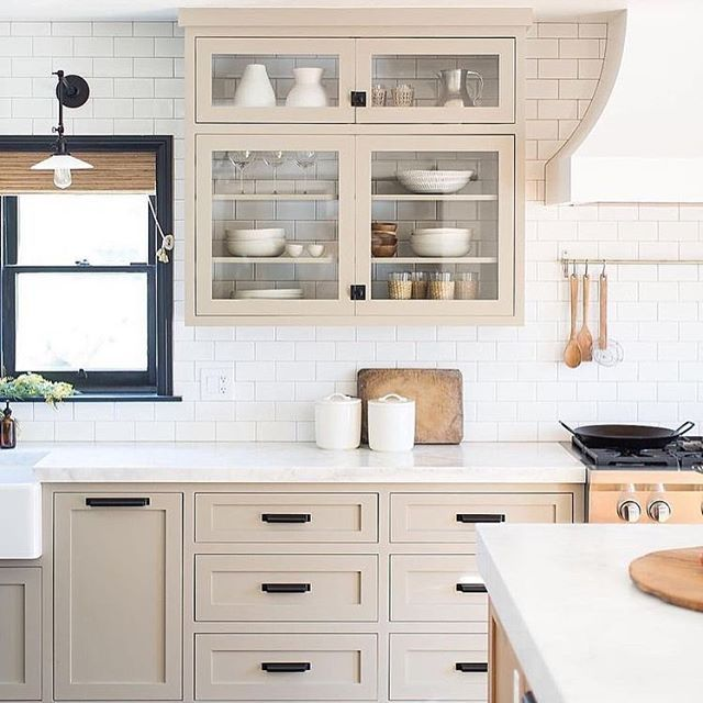 Happy Tuesday At Least It S Not Monday Anymore I Am Loving This Kitchen By Prairie Home Styling Beige Kitchen Kitchen Interior Kitchen Inspirations