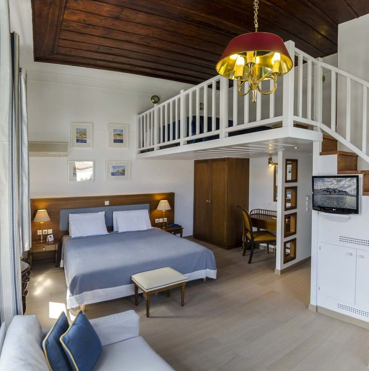 New Premium suite, can accommodate 2 adults and 2 children, stunning views to the port and the environs