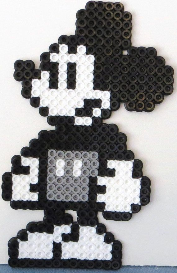 1000 images about mickey on pinterest perler beads perler bead patterns and minnie mouse. Black Bedroom Furniture Sets. Home Design Ideas