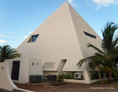 1000 images about casas y construcciones piramidales on for Casa moderna wiki