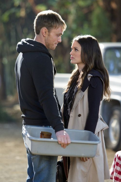 Wade and Zoe - Hart of Dixie. I like them together.. but when it comes to the CW they never put the right people together... Rory and Logan enough said!