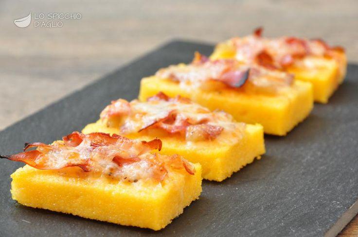 Crostini di polenta, speck e Gruyére