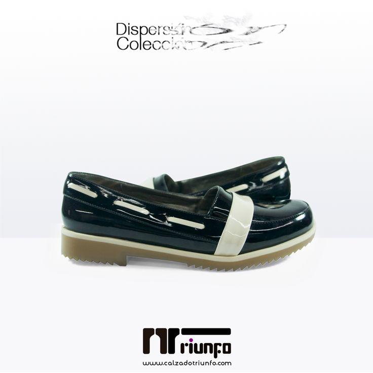 Dale un toque elegante a tu look con estos flats de charol ¡Y brilla como nadie!  Compra online y recibe en tu casa --> http://goo.gl/QB0LA7 #CoberturaNacional #EnviosinCosto #HechoaMano  #fashion #shoes #flats #moda #zapatos #baletas