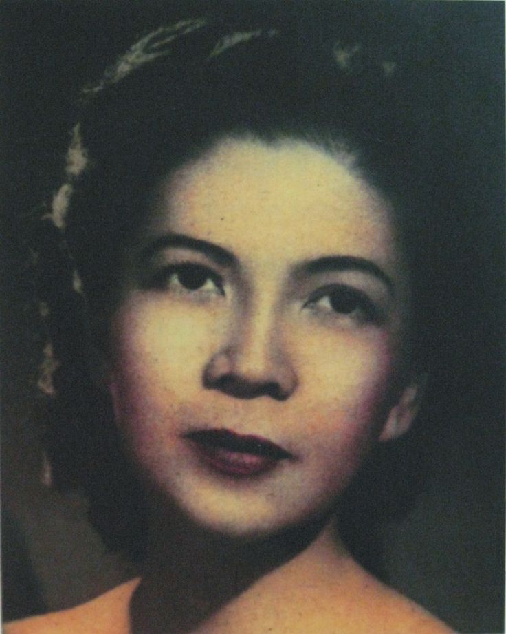 The first woman ever admitted to Harvard Med School.  A Filipina woman named Fe del Mundo received an offer from the president of the Philippines for a full scholarship to attend any medical school in the United States after graduating as valedictorian from the University of the Philippines in 1933. She decided to attend Harvard Medical School in 1936, even though HMS wasn't admitting women at the time. Harvard only started officially accepting women to the medical school in 1945.
