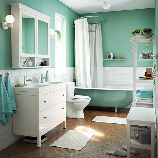 Os nossos armários para lavatório oferecem espaço de arrumação que transforma o caos num espaço organizado: tudo mais fácil para enfrentar as manhãs agitadas.