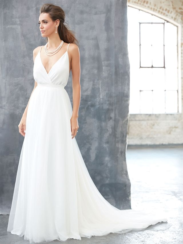 New dress coming in next week!!! Visit jennysbridal.co.nz for more wedding dresses