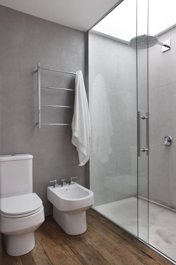 piso de madera en baño