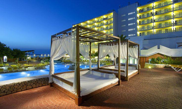 Fiesta Hotel Castell Playa. Fiesta Hoteles, hoteles en Menorca.