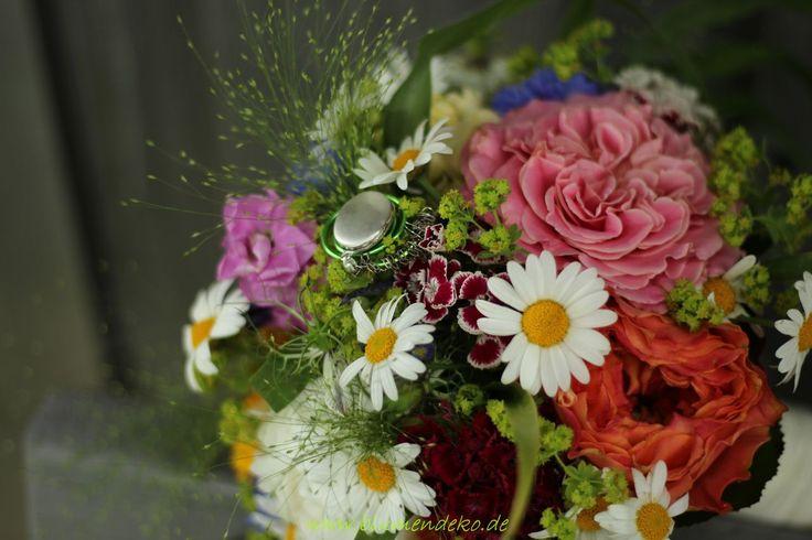 Brautstrauß, Sommerblumen Amulett, Margeriten Rosen Gräser