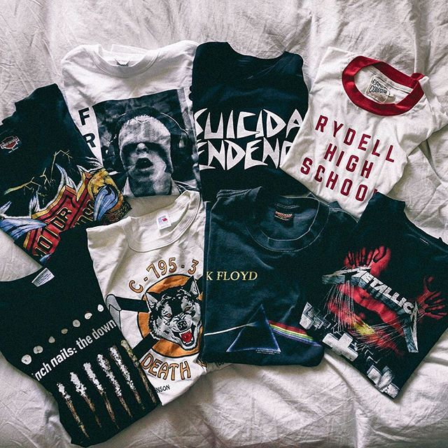 Shared my latest vintage and new band/ graphic tees on the blog today ❤️ See it all on le-happ...