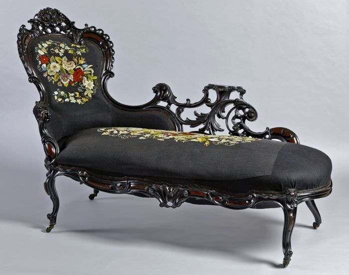 Neo-Rococo chaise lounge on display at the Museum Rotterdam