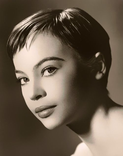 Leslie Caron - Gigi (1958) LOVE the haircut. not everyone can pull it off.  Loved the movie Gigi !!