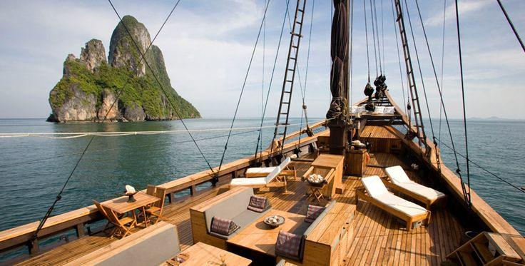 Silolona - honeymooner's phinisi boat