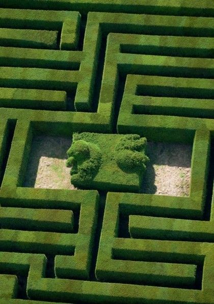 Traveling in Green - Château de Versailles Labyrinthe