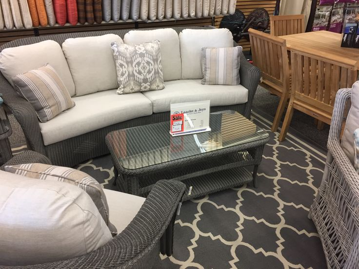 Attractive Lloyd Flanders   Reflections Curved Sofa, Swivel Glider Lounge, Coffee And  End Table. Part 23