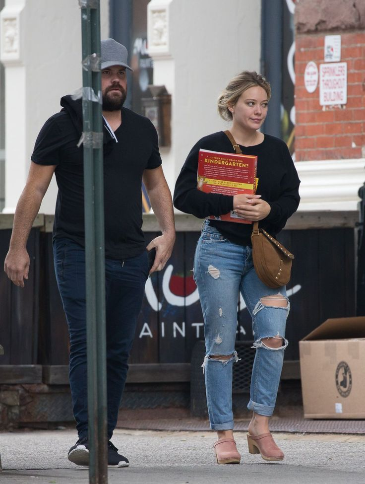 #HilaryDuff, #Husband, #NewYork Hilary Duff and Her Ex-Husband Mike Comrie - New York 06/17/2017 | Celebrity Uncensored! Read more: http://celxxx.com/2017/06/hilary-duff-and-her-ex-husband-mike-comrie-new-york-06172017/