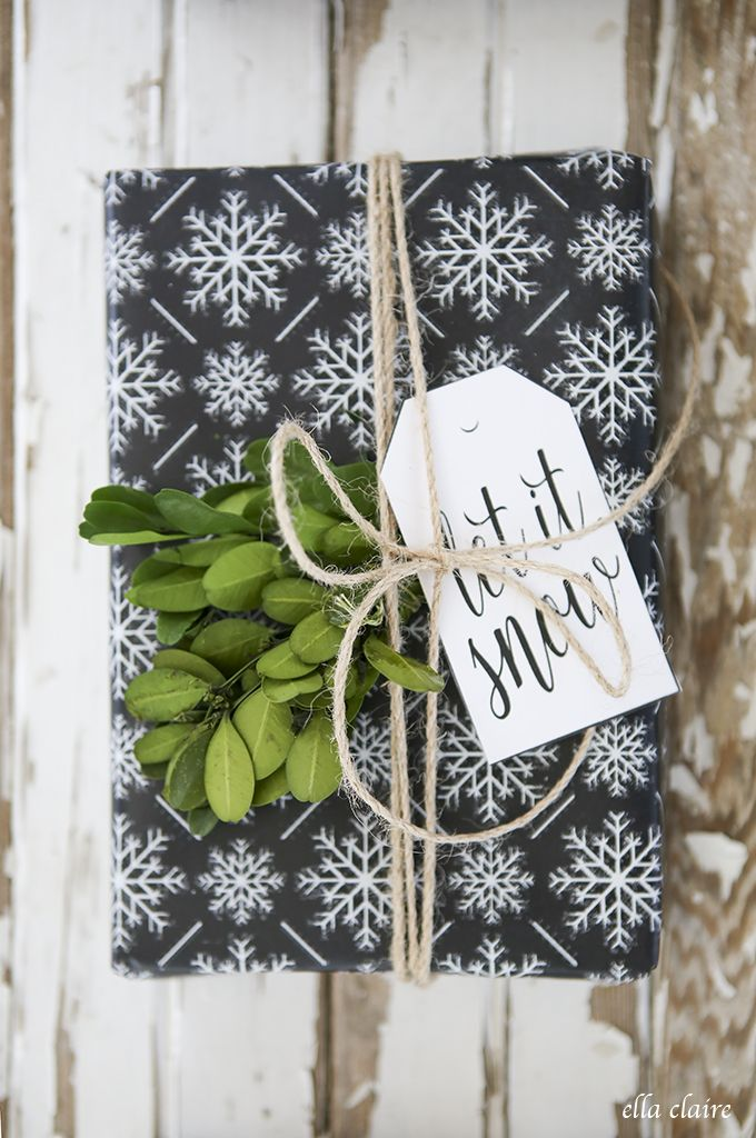 ... free printable chalkboard wrapping paper and gift tags ...