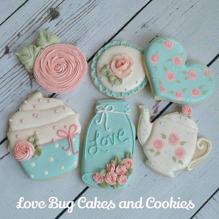 "984 Likes, 20 Comments - Beth Bougie (@lovebugcookies) on Instagram: ""Shabby Chic set I will be teaching in my beginner class tomorrow! Current schedule in my profile.…"""