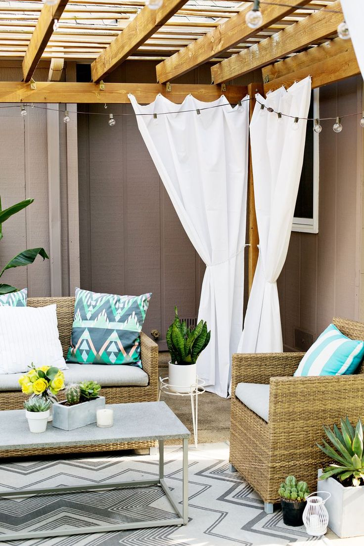 Make Your Own Outdoor Pergola Curtains