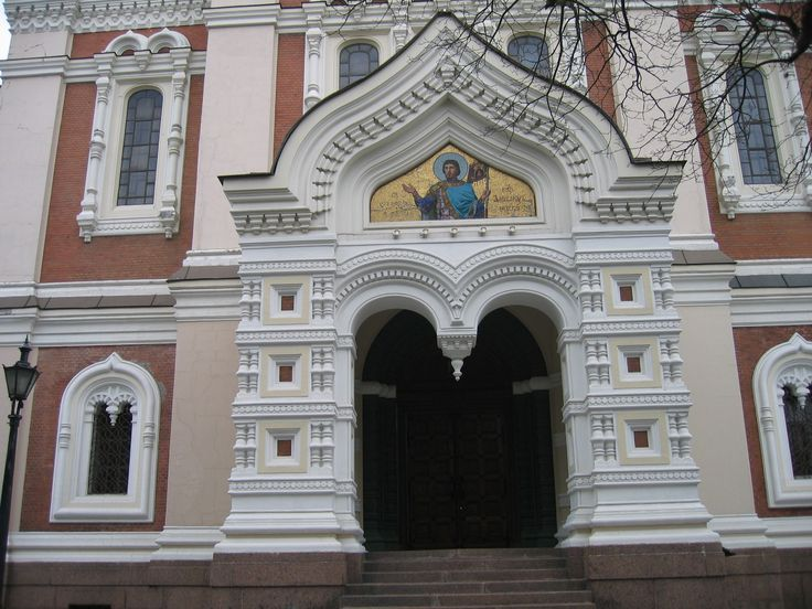 Entrance to Tallinn cathedral