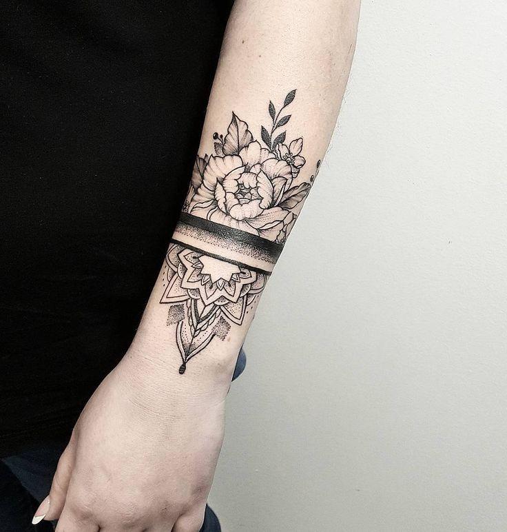 Mandala et pivoine 🖤 Merci beaucoup pour votre courage!   – Tattoos