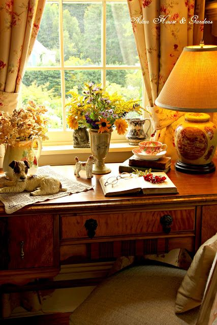 Aiken House & Gardens: Autumn Light in our Library