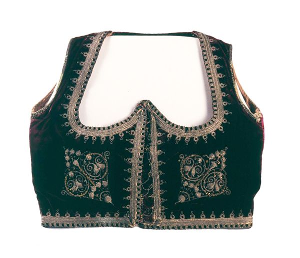 Musee d'alger  http://www.mnatp-algerie.org/collection-costumes-mnatp.html