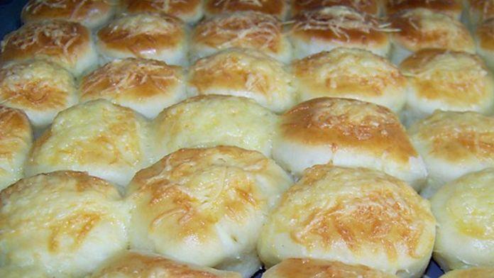 Toto famózní bramborové pečivo je úžasně křehké, kypré a chutné. Jeho dokonalost tkví i v tom, že recept je milionkrát odzkoušený našimi babičkami. A ty dobře ví, jak na to. Příprava potěší zejména ty, kteří v kuchyni neradi tráví příliš času. Zaručeně je i proto zvládne úplně každý. Jak zkušená …
