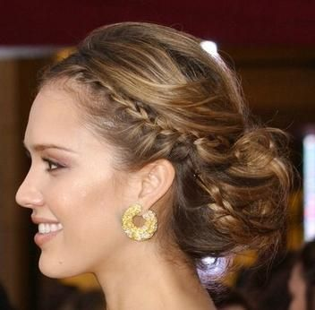 Bridesmaids Hairstyle by Jessica Alba