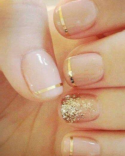 Que lindinhas essas unhas para fazer no dia do casório não é? Super delicadinha! <3