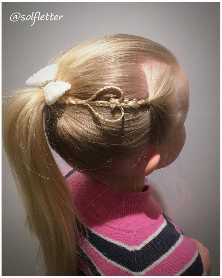 A simple ponytail with heart accent En enkel hestehale med hjertepynt #heartaccentbraid #accentheartbraid #heartbraid #valentineshair #hjerteflette #ponytail #hestehale #cghaccenthearts #instabraid #instahair #instabraids #braidsforgirls #braidsforlittlegirls #inspirationalbraids #braidphotos #peinados #tresse #trenza #letti #lettikampaus #solfletter #flette #fletter #flettefin #fläta #flätor #braid #braids #braidinspo