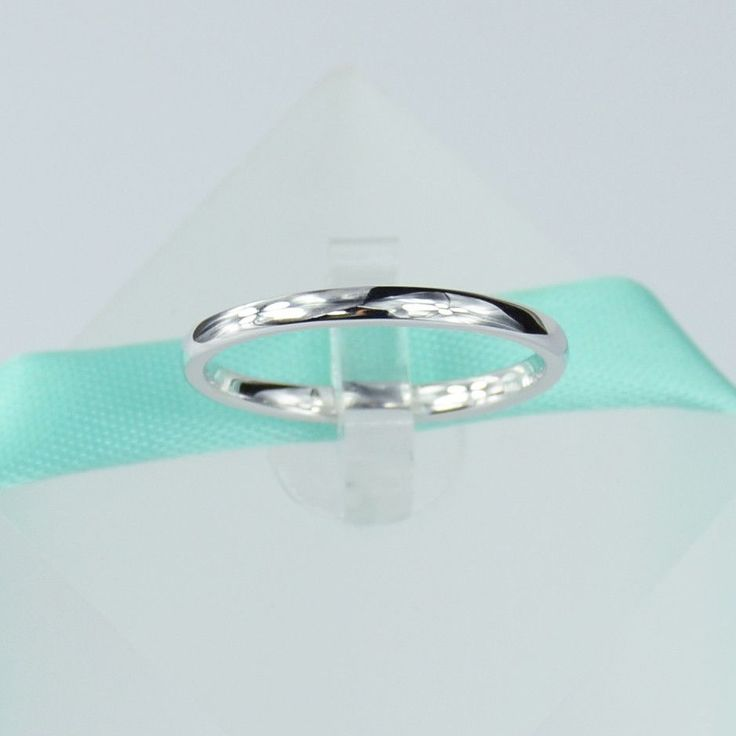 Comfort Fit Womens Plain Wedding Band Platinum Plated in Sterling Silver
