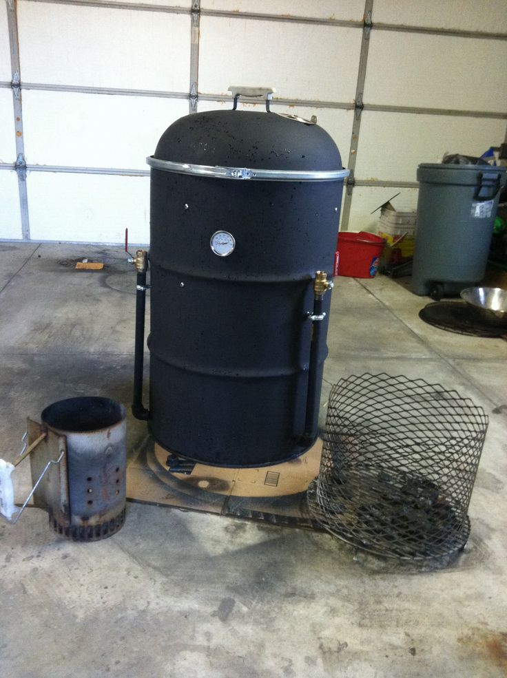 ugly drum smoker.  UDS