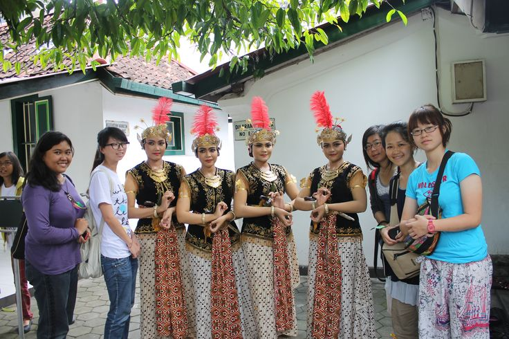 With traditional Java dancers and friends from Taiwan :)