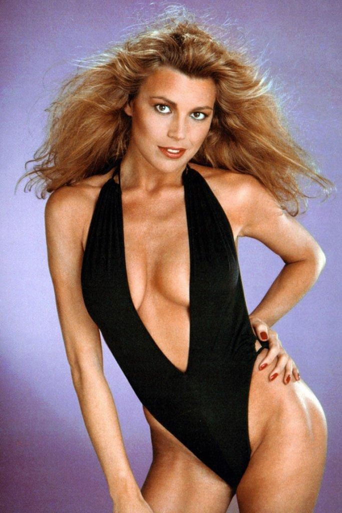 Soup Request: Prime Vanna White - I'd like to buy an O from her and knock out her V.