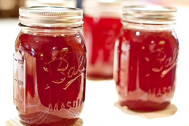 Southern Muscadine Jelly..     5 pounds muscadines     6 cups sugar     1 package pectin (+1 spare box) click pic for directions