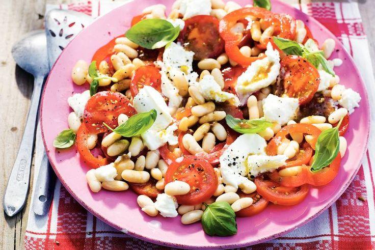 Kijk wat een lekker recept ik heb gevonden op Allerhande! Salade met paprika en tomaat