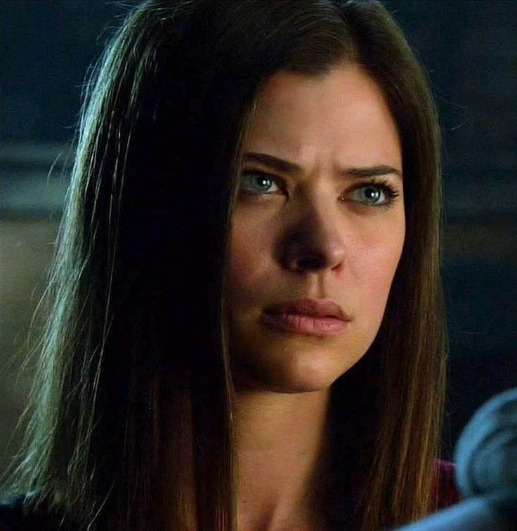 Peyton List as Cara Coburn in The Tomorrow People, Season 1, Episode 4 - Kill or Be Killed