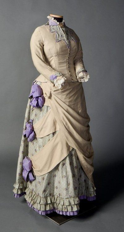 fashionsfromhistory:  Day Dress c.1882-1885 North America  This...