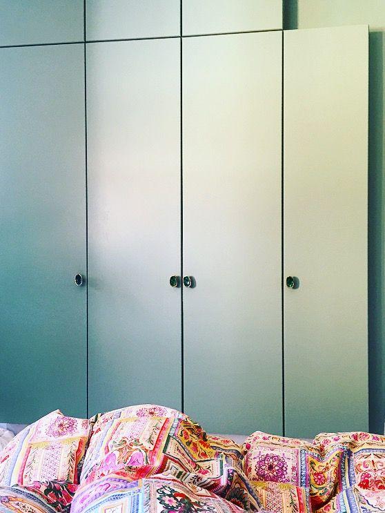 My bedroom - Copenhagen #Bedroom #bluecloset #closet #blueknobs #knobs #hooks