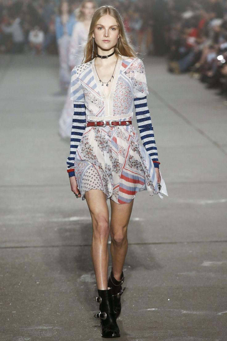 See the complete Tommy Hilfiger Spring 2017 Ready-to-Wear collection.Model: Kirin Dejonckheere