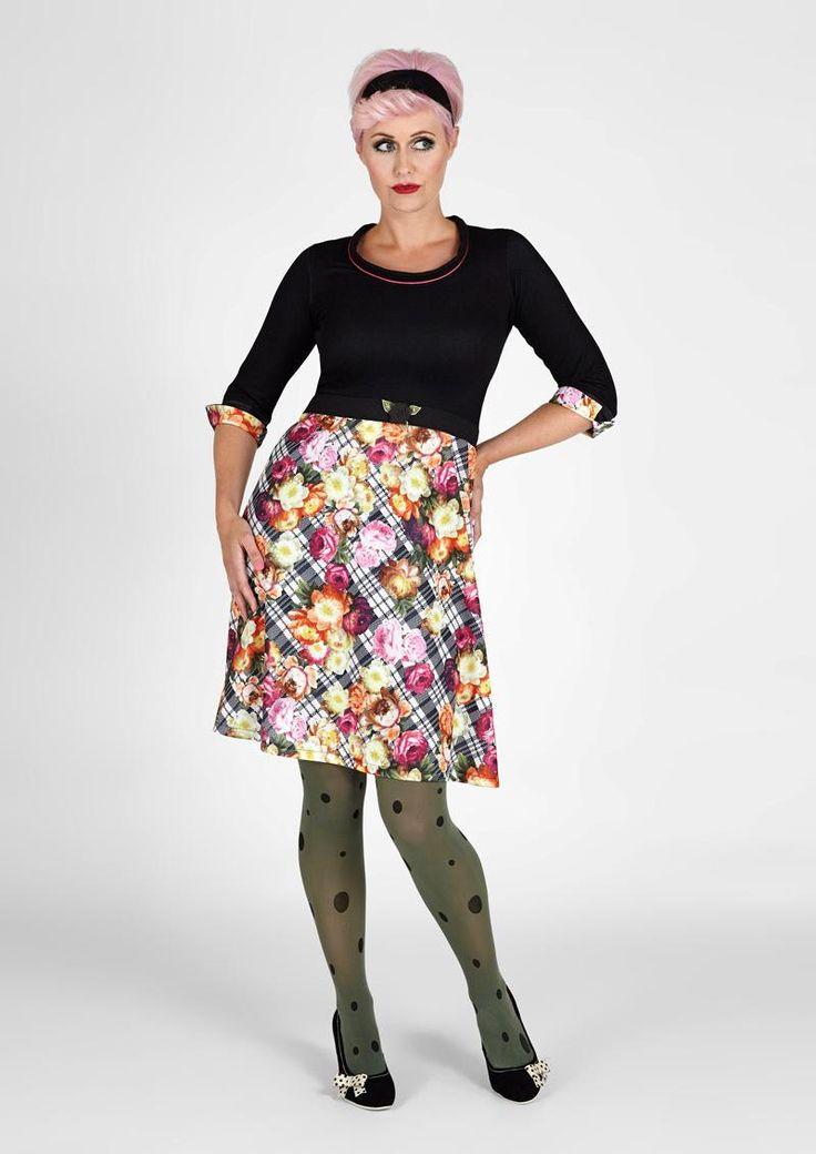 Lækre kjoler - fx denne fra Margot. :-) Er vild med udvalget hos www.denckerdeluxe.dk