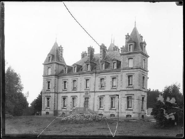 Manoir Saint-Etienne, Château à St pol de leon