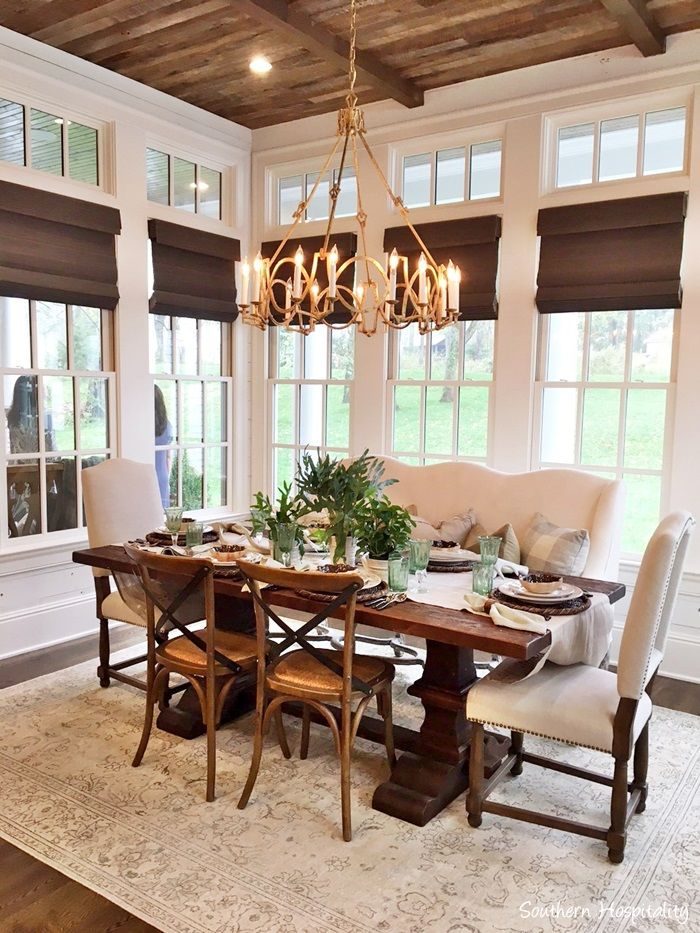 I'm back today with another Feature Friday of the Nashville Parade of Homes. This 7,800 s.f. Southern beauty excuses charm and hospitality. Built by Stonegate Homes and interior design by Julie Davis with Julie Davis Interiors, this home was decorated in a more rustic manner, but also with a very welcoming feel. Enjoy the tour!