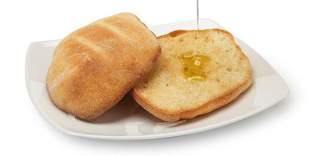 Si pensamos en la época actual, el pan se ha convertido incluso en un producto gourmet exquisito para maridar con diferentes tipos de comida