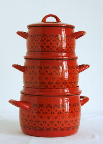 enamelware designed by Kaj Franck & Esteri Tomula for Arabia/Finel