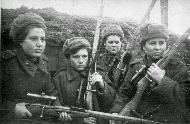 Mujeres soviéticas no identificadas francotiradoras, 1944. Fusill Mosin con mira telescópica PU (Sight truncada)..jpg (JPEG Image, 1600×1050 pixels) - Scaled (87%)