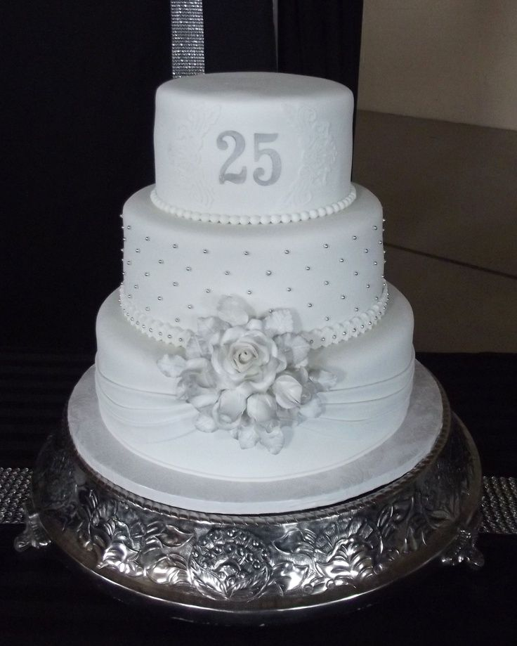 Cake Design Anniversary : 17 Best ideas about 25th Anniversary Cakes on Pinterest ...