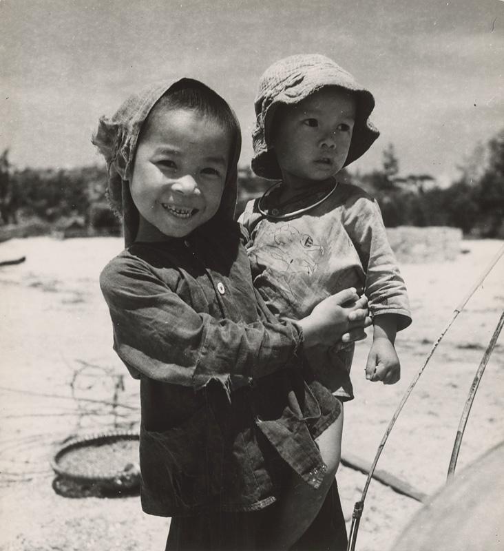 Ján Cifra - Vietnam - portréty. Staršia sestrička