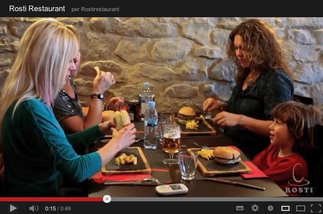 Rosti Restaurant os ofrece un ambiente distendido en un espacio agradable y acogedor. Trabajamos día a día con el firme objetivo de mantener la calidad de nuestros productos e ir mejorando la atención al cliente con amabilidad, eficiencia y trato distendido.     Os esperamos durante todo el año con una variada oferta para los desayunos, comidas y cenas.    Lugar: c/ Ramón trias fargas, 2    Horario: Mar - Jue: 9:00 - 17:00, Vie - Sáb: 9:00 - 3:00, Dom: 9:00 - 21:00